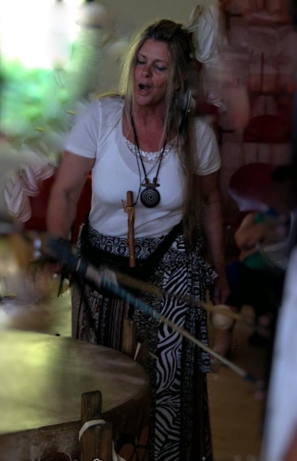 IMG 9048-682x1024 Fotor1 in Die Trommel, die Flöte & die Stimme